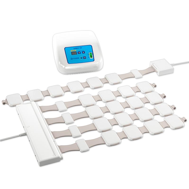 Аппарат магнитотерапевтический «Елатомский приборный завод»Аппараты Алмаг<br>Аппарат «Алмаг-02» для магнитной терапии является компактным портативным прибором для физиотерапевтического лечения спины, поясницы и конечностей. Он хорошо зарекомендовал себя в терапии травм, нервного перенапряжения и расстройств, вызванных стрессом. Магнитотерапия оказывает обезболивающий, противоотечный, противовоспалительный, сосудорасширяющий и регенеративный эффект.<br>