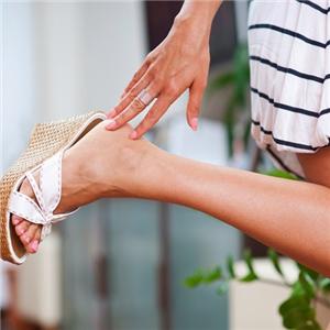 Как лечить в домашних условиях потницу на ногах у взрослых